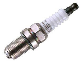 Trijų kontaktų variklio žvakė