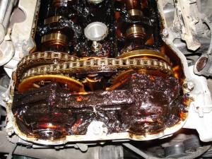 Nekeičiami variklio tepalai