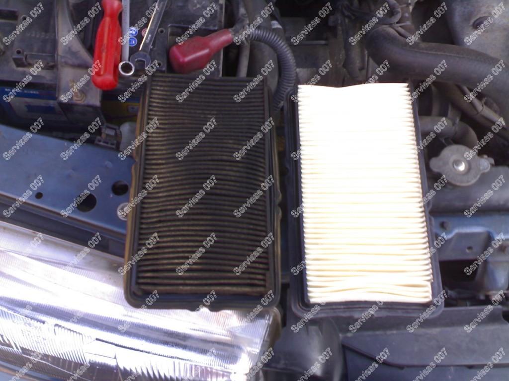 Keičiamas oro filtras lyginant su senuoju...