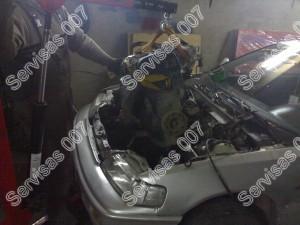 Įkeliamas kitas Honda Crx variklis