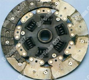 Sankabos diskas - nutrupėjusios dalys neperduoda sukimo momento
