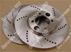 Suraižyti, sugrežioti stabdžių diskai skirti sportinio tipo automobiliams
