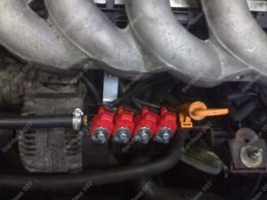 Dujų purkštukai Audi variklio skyriuje kurie pasislėps po dengiančiosiom plastmasėm.