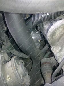 Dujų reduktorius BRC sumontuotas po akumuliatoriumi Honda Prelude 2.2 automobilyje
