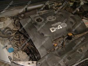 Dedame variklio apsaugas ir pasiruošiame testuoti variklį po paskirstymo diržo keitimo