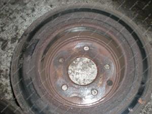 Senasis netolygiai nudilęs stabdžių diskas yra geras netvarkingos stabdžių sistemos indikatorius;