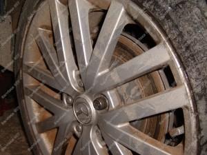 Netolygiai ir netvarkingai dylantys stabdžių diskai - ženklas kad reikia tvarkyti stabdžius;