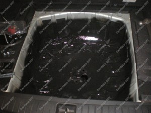 Antikorozinis padengimas prieš tvirtinant dujų balioną vietoje atsarginio rato vietoje Servise 007