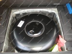 Pamatuojame dujų balioną vietoje atsarginio rato prieš jį montuodami Servise 007