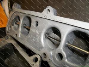 Išplautas Opel dyzelinio variklio kolektorius ir jo dalys Servise 007;