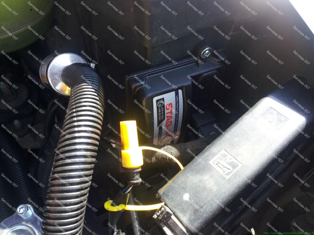 STAG QBox dujų kompiuteris sumontuotas į Renault Megane Servise 007