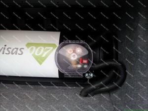 Cilindrinis dujų balionas automobilio bagažinėje