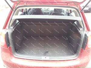 Toroidinis dujų balionas Golf 5 automobilio bagažinėje;
