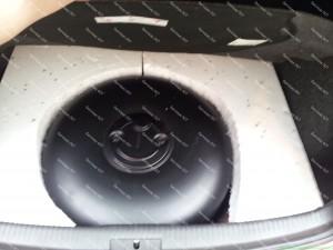 Dujų balionas vietoje atsarginio rato didesnio aukščio nei buvęs todėl kad išlyginti bagažinę dedame putplasčio aplink ratą ir taip išlyginame bagažinę; Konkretus pavyzdys yra Golf 5 bagažinė;