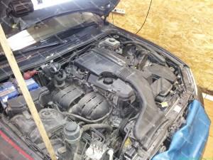 Lexus IS 200 variklio skyrius prieš dujų įrangos sumontavimą Servise 007