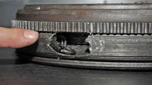 Mechaniškai sugadintas dvimasis smagratis;