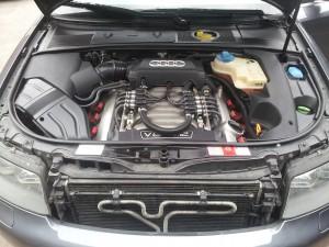 Audi S4 4.2 V8 - variklio skyrius po dujų įrangos STAG montavimo darbų Servise 007