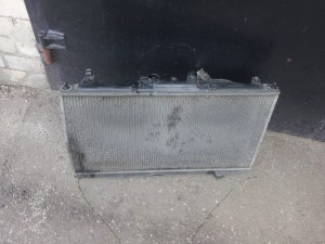 Išimtas senas radiatorius