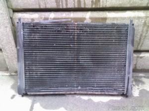 Senas aušinimo sistemos radiatorius