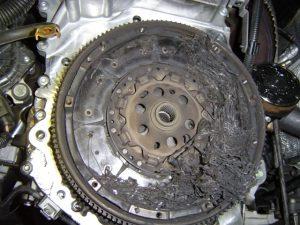 Subyrėjęs sankabos diskas