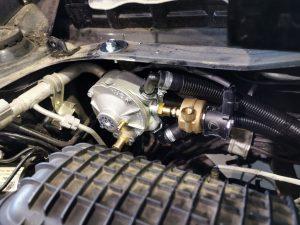 Landi Renzo Li02 dujų reduktorius montavimo eigoje Servise 007
